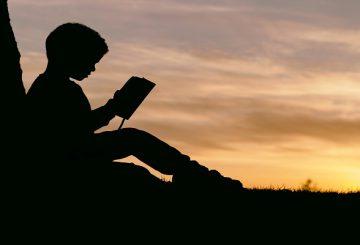 مسئولانه کتاب بخوانیم